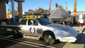 02_alien_car