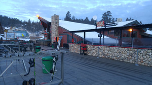 02_bear_mountain_patio